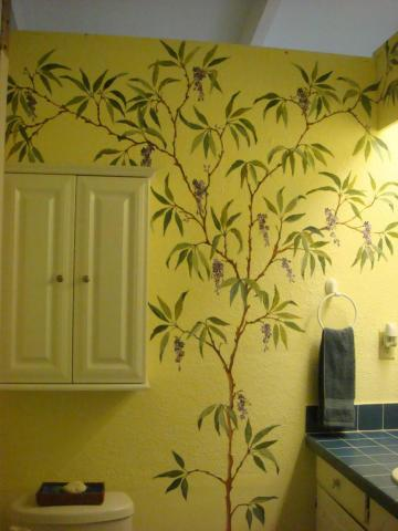Guest House Bath with Attractive Caribbean Murals