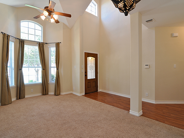 Large Bay Widow in Entry Room