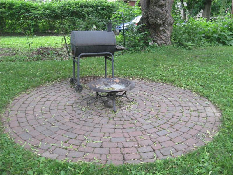 Brick patio for your firepit