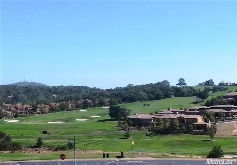 Views of the par 72 champion golf course, designed by internationally renowned architect, Robert Trent Jones, Jr..