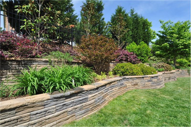 Tiered stone wall